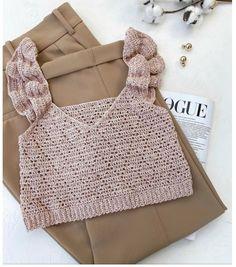 Pull Crochet, Crochet Bra, Crochet Blouse, Love Crochet, Crochet Clothes, Diy Clothes, Crochet Summer Tops, Crochet Crop Top, Crochet Designs