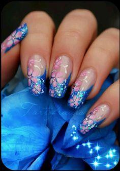 Floral glitter nailart #nailart #floral