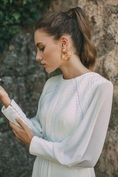 It's My Valentine: Faith: María Baraza Bohemian Wedding Dresses, Modest Wedding Dresses, Hairdo Wedding, Wedding Attire, Wedding Makeup, Amazing Wedding Dress, Church Dresses, Party Hairstyles, Wedding Looks