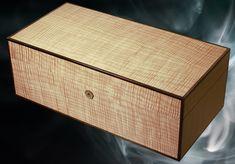 Custom desktop humidor - el capitan by Conocedor #humidor #woodart #customwoodwork #carpentry #wooddesign #habanos #cigars #cigarsmoker #marquetry #cigarsociety #cigarsmoking #cigarsnob #cigarstyle #BOTL #cigarporn #cigaraficionado #cigarians #habana #cohiba