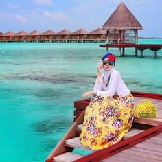honeymoon hijab outfit- How to wear cute hijab in honeymoon http://www.justtrendygirls.com/how-to-wear-cute-hijab-in-honeymoon/