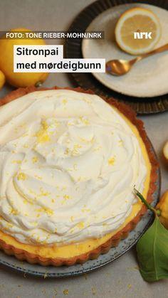 Denne sitronpaien fra Lise Finckenhagen har bunn av mørdeig. Du steker bunnen ferdig og lager sitronfyllet for seg. Food And Drink, Barn, Pie, Cakes, Torte, Cake, Fruit Pie, Pai, Tart
