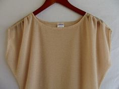 Tomorrow After Morning Productions: Gathered Dolman Sleeve Top Tutorial Source by Sewing Patterns Free, Sewing Tutorials, Clothing Patterns, Sewing Diy, Sewing Blouses, Sewing Shirts, Diy Tops, Diy Clothing, Top Pattern