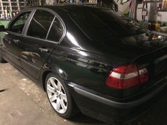 This was the first picture of my car in the garage. I had to go to Edinburgh in Scotland so we don't se for a couple of time now :(