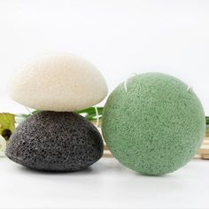 Back in Stock! 🌿The Konjac Sponge are made from konjac plant root, which is naturally alkaline to balance the acidity of the skin's impurities, ideal for daily exfoliating. Organic Facial, Organic Skin Care, Spa Services, Body Treatments, Reflexology, Eyelash Extensions, Bridal Makeup, Eyelashes, Beauty Hacks