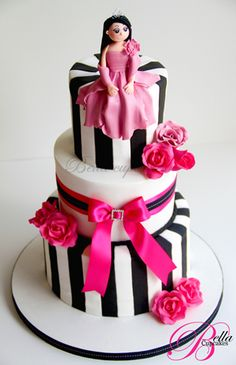 Love the three tier and the roses