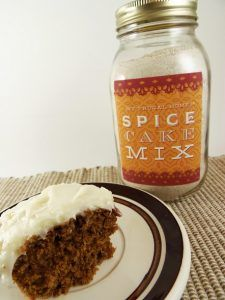 Use this recipe to make your own spice cake mix. It's better than a box mix, and cheaper, too. Homemade Cake Mixes, Homemade Spices, Homemade Seasonings, Homemade Soaps, Homemade Food, Spice Cake Mix Recipes, Dessert Recipes, Mason Jar Mixes, Mason Jars