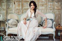 Boutique en ligne [Caftan.tk] présente un caftan 2014 en couleur fraîche et vivante rose claire qui vous donne de l'allure et beaucoup de charme lors en portant...
