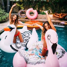Friend Tattoos – Happiness is a day at the pool! unique Friend Tattoos – Happiness is a day at the pool! Bff Pictures, Cute Photos, Insta Pictures, Shotting Photo, Pool Picture, Best Vacation Spots, Summer Goals, Best Friend Pictures, Cute Friend Photos