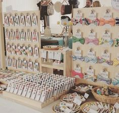 accessories display Today I am the the etsymadelocalmelbourne market! Upstairs in the Allpress gallery! Craft Fair Displays, Craft Stall Display, Craft Show Booths, Bow Display, Vendor Displays, Craft Show Ideas, Display Ideas, Earring Display, Market Stall Display