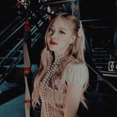 ˗ˏpink˗ˏ Kpop Girl Groups, Korean Girl Groups, Kpop Girls, Living Barbie, Blackpink Debut, Rose Icon, Rose Park, Jennie Lisa, Aesthetic Themes