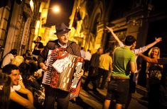 Street Music in Istanbul Istanbul Hotels, Istanbul City, Istanbul Travel, Istanbul Turkey, Istanbul Guide, Turkish Lessons, Learn Turkish, Turkish Language, Travel Guides