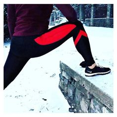 Pre-run stretch to waken up the body ❄️ wearing the Streamline Leggings #akafit #lookfitgetfitbefit #itsalifestyle #bodylove ---  www.akafit.co.uk Pre Run Stretches, Motivational Images, Body Love, Make You Smile, Nike Logo, Squats, Active Wear, Leggings, Running