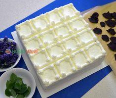 Titulek opravdu nelže; až ochutnáte tento švýcarský kazetový dortík poprvé, nebudete se stačit divit a dychtivě se zakousnete napodruhé, potřetí, napočtvrté! Máme pro vás původní švýcarský recept, pro který je typické vrstvení kávovým sirupem svlažených piškotových plátů v kombinaci s vrstvami čokoládovými a smetanovými. Pavlova, Sweet Desserts, Waffles, Sweet Tooth, Cheesecake, Breakfast, Recipes, Food, Anna