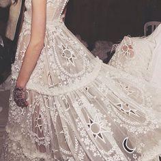 This dress! Alexander McQueen AW14 Paris Fashion Week. (Instagram: the_lane)