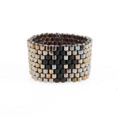 Cuff Bracelets, Beaded Rings, Beaded Necklace, Crochet Necklace, Bead Crochet Rope, Peyote Patterns, Brick Stitch, Loom Bracelets, Bracelets
