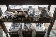 [LOCAL LOVE] Enseres Bazar-Almacén-Galería - 3073 Blog. Photo Enseres Estudio