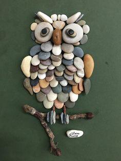 Eule aus Steinen
