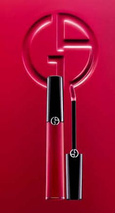 Ecstasy Lacquer combines the shine of a lacquer with the moisture of a balm and the hold and intensity of ink, proving that a lip make-up really can provide comfort, hold, colour and shine. #glossy # pink #bright  #fashion