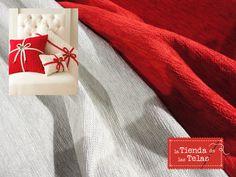 ¿Quieres decorar tu casa con unos #cojines #navideños como estos? Utiliza nuestras #chenillas para confeccionartelos por sólo 9,99€/m