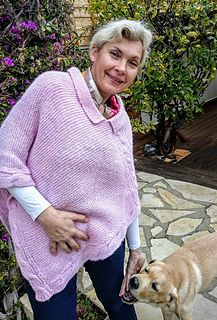 A super easy two piece poncho in garter stitch. Wery light and fluffy. The pink version starts with a cabled stripe and the rest of the poncho is attached to it. After connecting the parts I knitt...