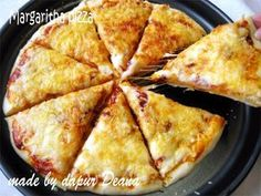 Dari sekian banyak topping Pizza, salah satu Pizza favorit Bocils kami tertjintah adalah Margarita Pizza .... so simple hanya berisi sa... Margarita Pizza Recipes, Pork Bacon, Western Food, Indonesian Food, Indonesian Recipes, Food And Drink, Snacks, Cooking, Ethnic Recipes