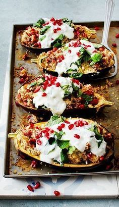 Eggplant with Date Almond Couscous and Mint Recipe LEC Auberginen mit Dattel-Mandel-Couscous und Minze Rezept Vegetable Recipes, Vegetarian Recipes, Cooking Recipes, Healthy Recipes, Mint Recipes, Good Food, Yummy Food, Food Inspiration, Food And Drink