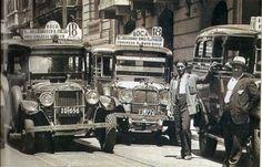 Los primeros colectivos. Los taxímetros colectiveros comenzaron una aventura que con el tiempo se transformo en el transporte de las grandes ciudades. Old Pictures, Old Photos, Vintage Cars, Antique Cars, Historical Pictures, Vintage Photography, South America, Madrid, Buenos Aires