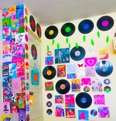 Indie Bedroom, Indie Room Decor, Teen Room Decor, Aesthetic Room Decor, Room Ideas Bedroom, Chambre Indie, Estilo Indie, Neon Room, Cute Room Ideas