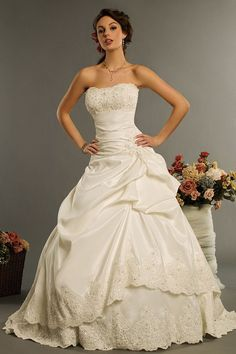 Wedding Dress....If I were to have an expensive wedding instead of traveling the world, this would be nice lol #eloping