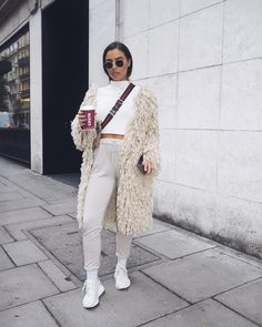 It's like I'm promoting my cappucino lol. Top - @missguided (JOSLINMG30 for 30% off online) Cardigan - @prettylittlething Trainers - Adidas Bag - Gucci