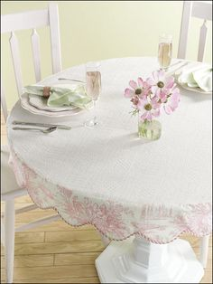 Beautiful Sewing   Kitchen Patterns   Scalloped Table Topper