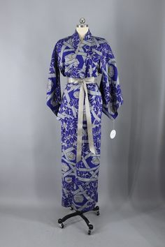 0255e16e7e Vintage Silk Kimono Robe   Blue and Grey Meisen Floral Print  fashion   vintageclothes