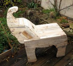 L'atelier de Kiku: Bureau éléphanteau en bois de palette