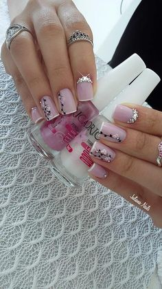 33 Fotos de Unhas com Adesivos Nails Only, Love Nails, Fun Nails, Gorgeous Nails, Pretty Nails, Super Nails, Nail Shop, Creative Nails, Spring Nails