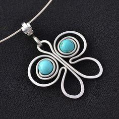 Pendentif papillon, fil aluminium / simple yet beautiful wire butterfly
