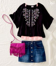 Cute Summer/Spring boho outfit with a touch of fringe is a perfect outfit!
