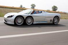 Driving the Six-Wheeled Covini C6W