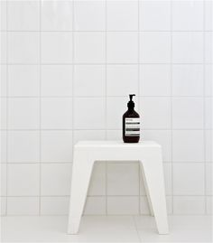 Bathroom tiles 10x10 white.