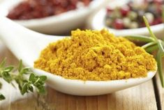 How to Cook With Wonder Spice Turmeric: A Quick Primer. Try to use freshly ground black pepper in combination with turmeric. This helps the curcumin in turmeric to be more readily absorbed into the bloodstream. Turmeric Paste, Turmeric Tea, Turmeric Curcumin, Ginger Plant, Curry Spices, Aromatic Herbs, Spice Things Up, Natural Remedies, Food Recipes