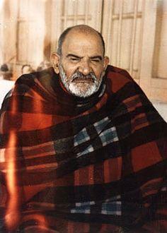 YogaEsoteric :: Neem Karoli Baba – the Wiseman who feeds ::