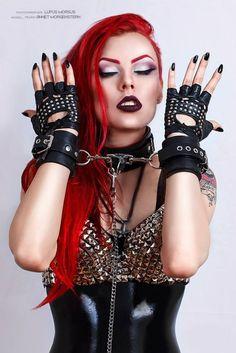 Gothic and Amazing Goth Beauty, Dark Beauty, Tribal Fusion, Steampunk, Dark Fashion, Gothic Fashion, Gothic Eye Makeup, Dark Black, Darkness Girl