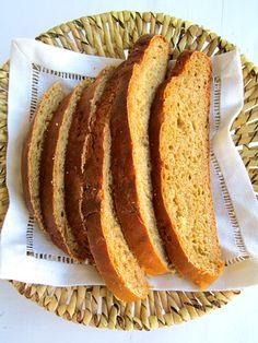 Anna Hilda on palkinnut Oulun limpun kokonaisella kymmenellä pisteellä. Kyllähän miedon makea leipä maukasta onkin, varsinkin suolaisella v... Bread, Food, Brot, Essen, Baking, Meals, Breads, Buns, Yemek