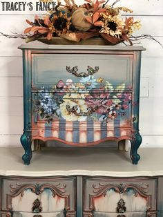 See how Tracey Bellion of Tracey's Fancy creates this stunning floral painted nightstand with complimentary stripes, color blending and more. Hand Painted Furniture, Recycled Furniture, Refurbished Furniture, Paint Furniture, Shabby Chic Furniture, Furniture Makeover, Shabby Chic Homes, Shabby Chic Decor, Painted Night Stands