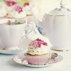 Beautiful china will make your afternoon tea party! | Afternoon Tea - Favours | How To Host A Vintage Afternoon Tea Hen Do