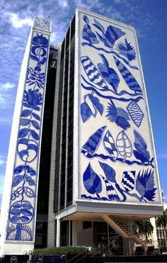 The Bacardi building in Miami, designed by architect Ignacio Carerra-Justiz, 1962-63.