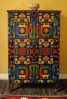 RUMANIAN style painting  - paint the plain ikea dresser in dark overall pattern
