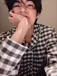 Taehyung Selca, Bts Jungkook, Namjoon, Les Bts, V Bts Wallpaper, Foto Jimin, Bts Aesthetic Pictures, Wattpad, Bts Korea