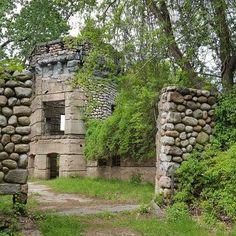 Bancroft Castle – Groton, Massachusetts - Atlas Obscura
