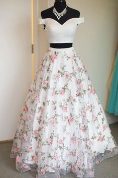 White two pieces tulle long prom dress, tulle evening dress 0021 - atemberaubende kleider Floral Prom Dresses, Indian Gowns Dresses, Pretty Prom Dresses, Prom Dresses Two Piece, Hoco Dresses, Elegant Dresses, Cute Dresses, Beautiful Dresses, Evening Dresses